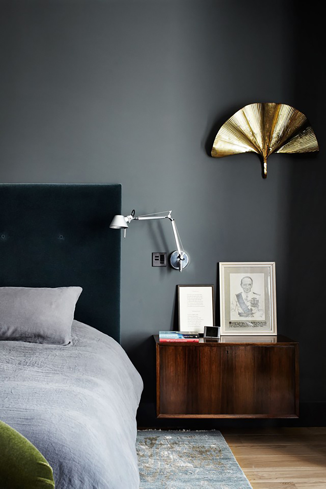 House crush a stunningly chic london townhouse tpw - Grey and gold bedroom ...
