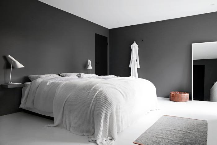 Grey-bedroom_stylizimo-house-2